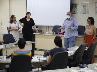 Hospital Universitário recebe ambulância nova com emenda do deputado Marx Beltrão