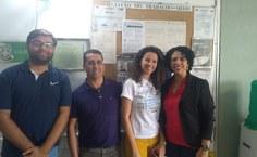 Sandra e Thiago com representantes do Hospital Regional.jpeg