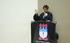 Eduardo Monteiro, formando em Pedagogia, leu o juramento