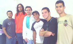 Da esquerda pra direita: Raniery, os professores Elthon e Marcelo (orientador), e os clegas de iniciação científica Rodolfo, Pedro e Thiago. Foto Arquivo pessoal