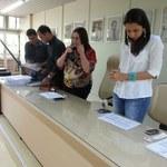 Vice-reitora empossa mais 24 servidores para os três campi da Ufal