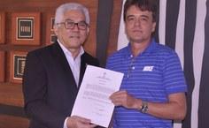Marco Antonio de Carvalho recebe termo de posse