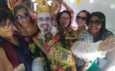 Eraldo Ferraz com amigas e servidoras da Ufal