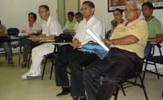 Professores e preceptores no mini-auidório do Nusp