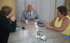 reitora Ana Dayse, Diretor do Detran, Antônio Sapucaia, e a pesquisadora Mônica Dorigo