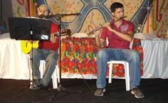 Apresentação musical durante a calourada