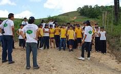 Pesquisadores da Ufal destacaram para os alunos a importância do reflorestamento da mata ciliar