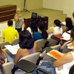 Bibliotecários discutem apresentação de trabalhos acadêmicos