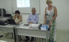 Professora Maria das Graças Tavares saudando os novos integrantes da CPA
