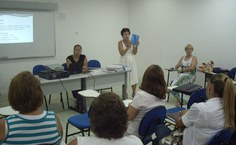 Professora Maria Antonieta apresenta documentos da CPA