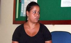 Mãe lamenta a morte do filho e afirma que culpa foi da burocracia (Foto: Porllanne Santos)