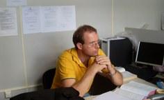 Professor Giuliano Lesnau, coordenador de Medicina Veterinária