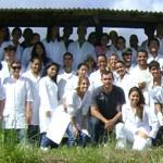 Alunos de Medicina Veterinária realizam atividades de manejo em rebanho bovino
