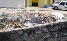 Queima de lixo nas margens do Riacho Gulandim