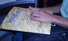 Literatura em Braille também é disponibilizada no evento