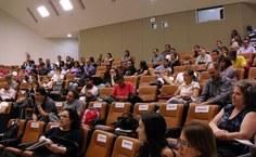 Profissionais e estudantes da área prestigiam o seminário