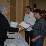 Pesquisadores recebem certificado de excelência acadêmica