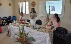 Equipe do Projeto Medicina, Diversão e Arte, apresentando ações
