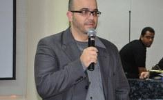 Professor e consultor do Senai, Sério Accioly, palestrante da noite