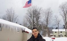 Leandro no campus em dia de muita neve