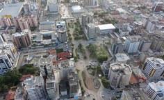 Praça Vera Arruda, um dos maiores espaços públicos de lazer de Maceió. (Foto: equipe do MEP)