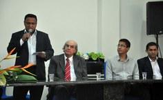 O diretor do IF, Carlos Jacinto, falou sobre a solenidade e agradeceu aos presentes