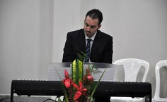 O professor Vinícius Manzoni interpretou a Sonata de Beethoven nº 1