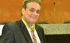 Andreas Krell, professor da Ufal, homenageado com a comenda Pontes de Miranda