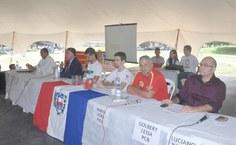 Quatro candidatos compareceram ao debate e responderam perguntas dos estudantes