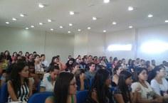 Evento reuniu 120 pessoas, em sua maioria estudantes