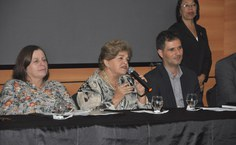 Reitora honorária Ana Dayse destacou a importância do laboratório para a formação dos estudantes