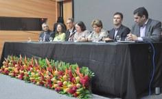 Vice-reitora Rachel Rocha presidiu a mesa solene