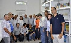 Professores do Ctec e equipe do Paespe comemoram inauguração da Biblioteca