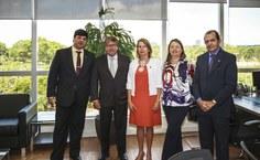Gestoras da Ufal se reuniram com dirigentes da Ebserh, em Brasília, para solicitar contratação de mais pessoal para o HU
