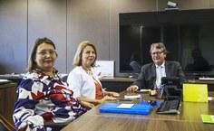 Reitora da Ufal e superintendente do HU durante reunião com o presidente da Ebserh