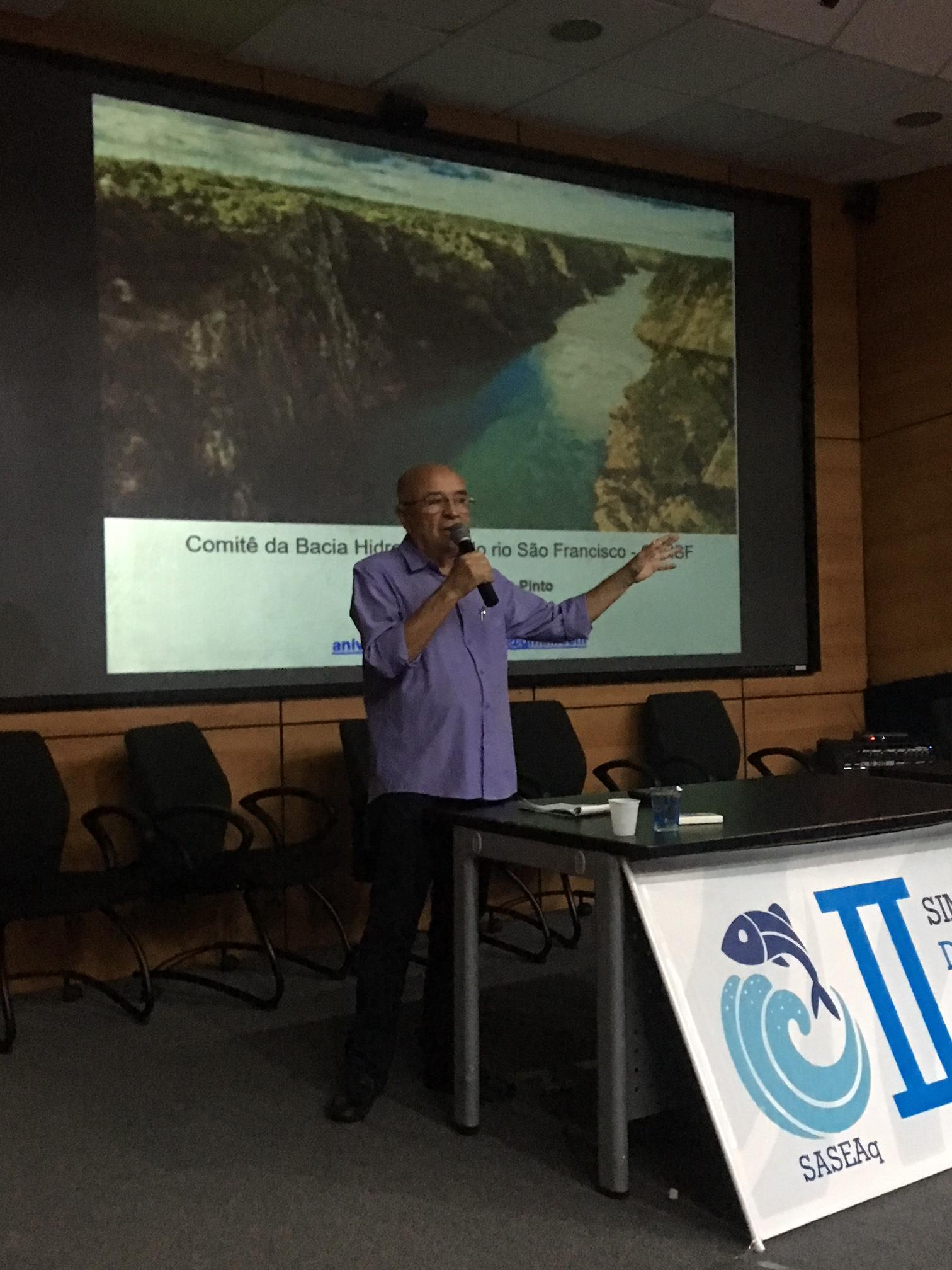 Anivaldo Miranda, do Comitê do São Francisco, fez a palestra de abertura