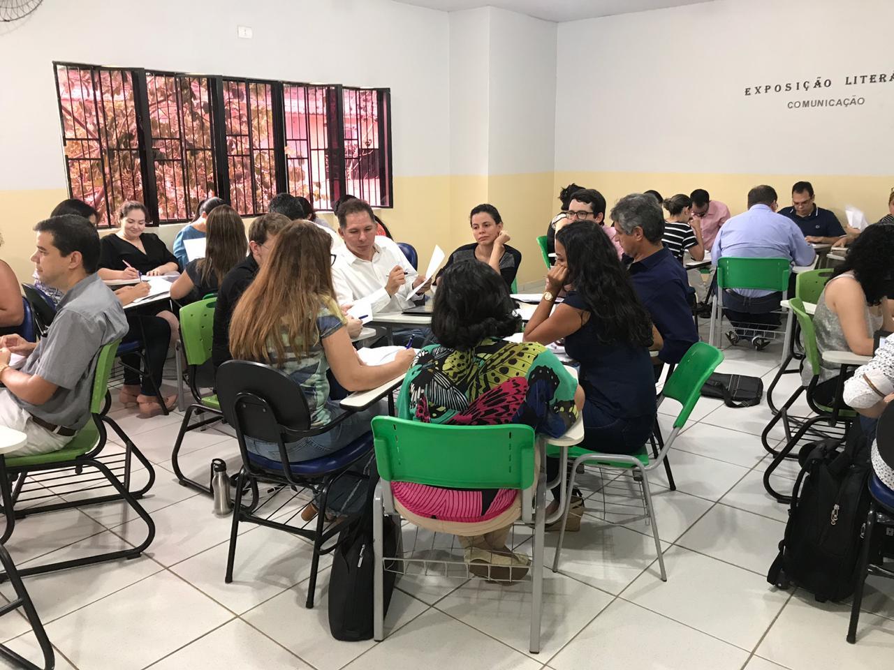Evento reuniu professores e técnicos da área de saúde de Arapiraca