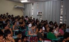 mesa o racismo no brasil publico.jpg