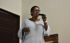 Professora Maria Ester apresentou dados de sua pesquisa e sua vivência em comunidades quilombolas