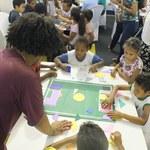 Central de jogos têm espaço reservado para estudantes aprender matemática brincando