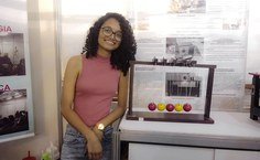 UFAL-Imag-intern-Jaíne_Ribeiro_estudante_de_Física_e_monitora_da_Usina_Ciência.jpg