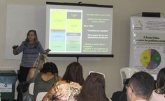 Maria Lúcia Fatorelli debateu os impactos do financiamento da dívida pública no Sistema Único de Saúde