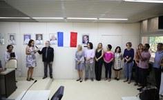 Professora Lenira Almeida falou em nome de todo o grupo em homenagem à reitora. Foto: Renner Boldrino
