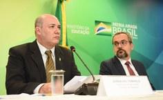 Josealdo Tonholo discursa no MEC