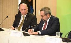 Ministro Weintraub dá posse ao reitor da Ufal, Josealdo Tonholo