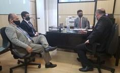 Acompanhado do assessor especial Ineh Alarcão, Tonholo se reuniu com conversou com o diretor da Sesu, Eduardo Salgado, e com o secretário adjunto do MEC, Tomás Dias