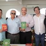 Bate-papo, cafezinho e livros juntos no projeto Sextou na Edufal