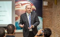 Reitor Tonholo reforçou a atenção na necessidade de manter os estudantes bolsistas na Universidade