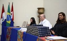 Professora Eliane Barbosa, reitor Josealdo Tonholo e a pró-reitora Iraildes Assunção (Foto Thiago Prado)