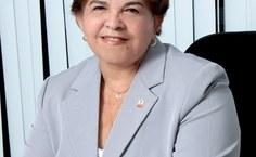Reitora honorária Ana Dayse Dorea